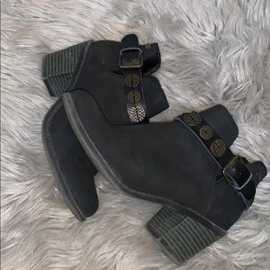 Roxy Gorgeous Booties Size 7.5